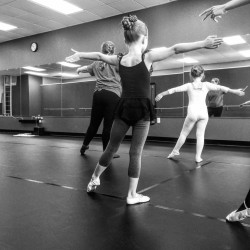 4 Reasons Why Everyone Should Take a Dance Class